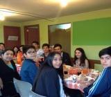 Algunas fotos de nuestros jóvenes cenando con los egresados de enseñanza media 2016